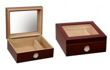 Humidor Cherry Glass-Top 25 Cigar Capacity Humidor